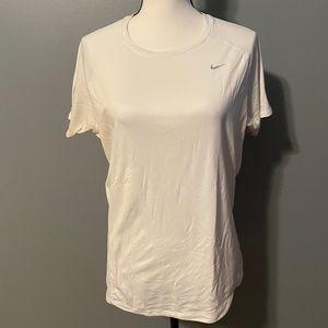 3/$20 Nike shirt size XL